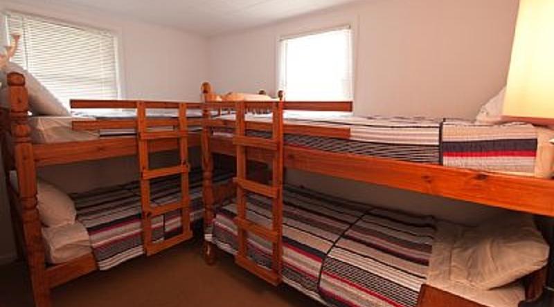 http://www.tghrentals.com/pics/Bunk Room