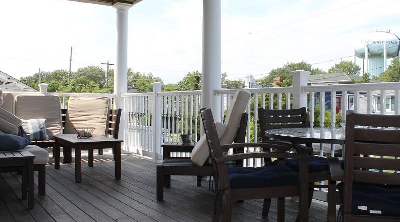 http://www.tghrentals.com/pics/2nd Floor Balcony