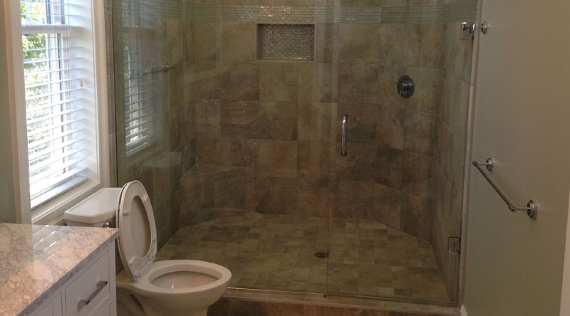 http://www.tghrentals.com/pics/Master Bath # 6