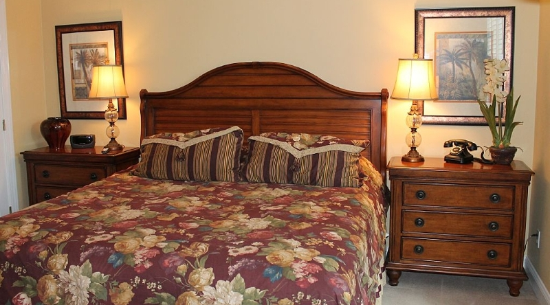 http://www.tghrentals.com/pics/King Bedroom 2nd Floor