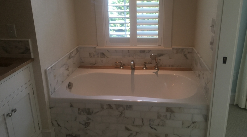 http://www.tghrentals.com/pics/Master Bathroom - 2nd Floor - Tub