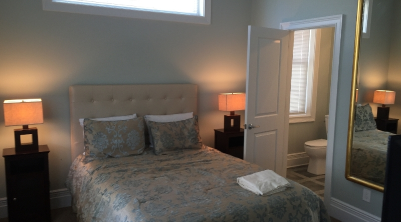 http://www.tghrentals.com/pics/Queen Bedroom #2 - 1st floor