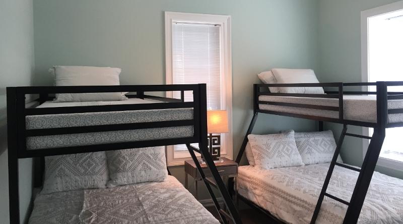 http://www.tghrentals.com/pics/Bedroom #5 - 2nd floor