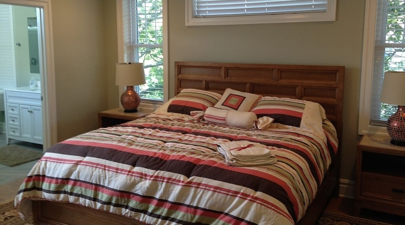 http://www.tghrentals.com/pics/King Bedroom #5 - 2nd floor