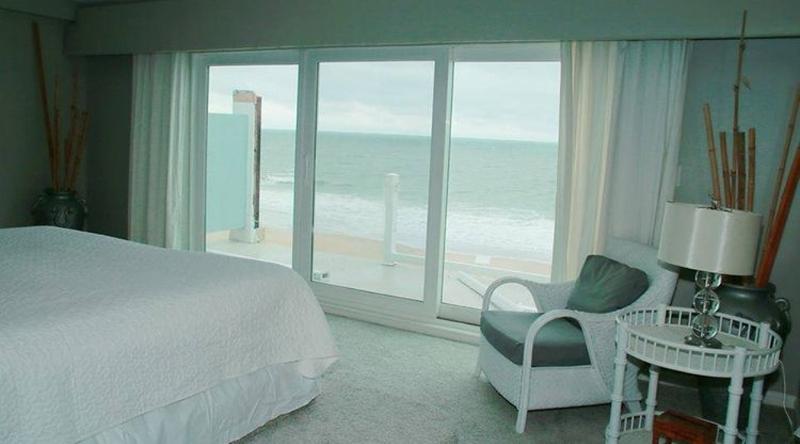 http://www.tghrentals.com/pics/King Master Bedroom - Ocean View