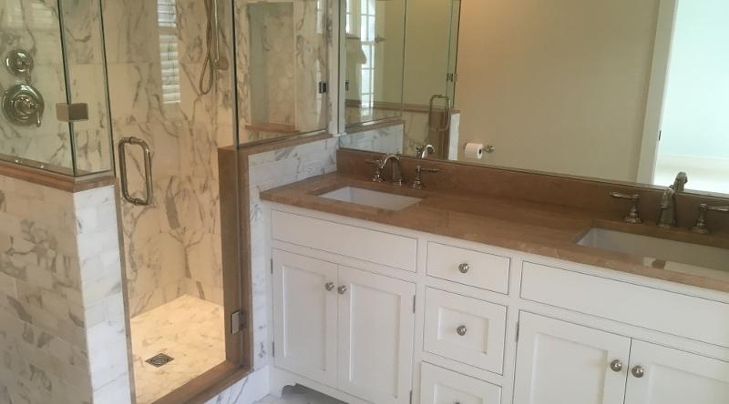 http://www.tghrentals.com/pics/Master Bathroom