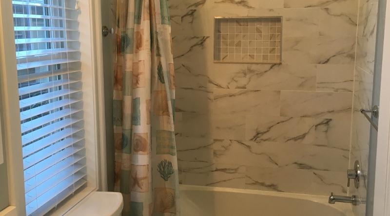 http://www.tghrentals.com/pics/Master Bath #2