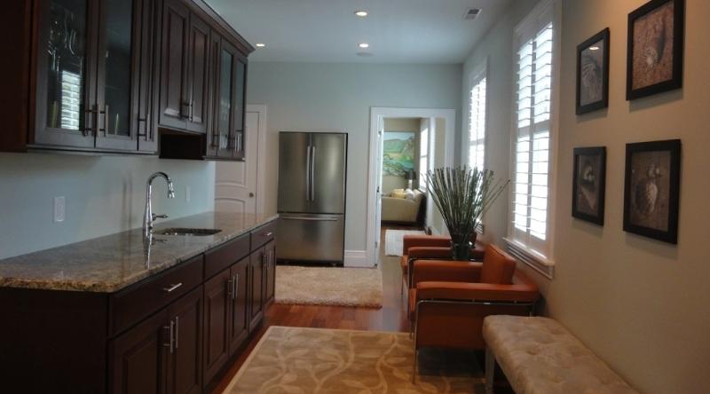 http://www.tghrentals.com/pics/Kitchen 3