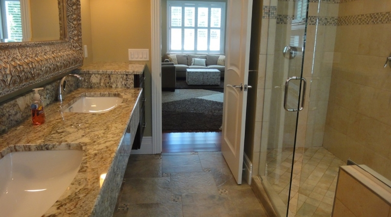 http://www.tghrentals.com/pics/Bathroom 2
