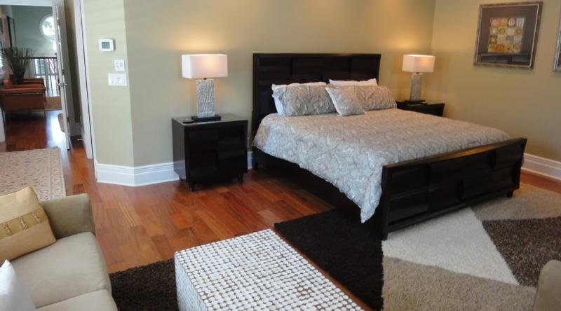 http://www.tghrentals.com/pics/Bedroom 2