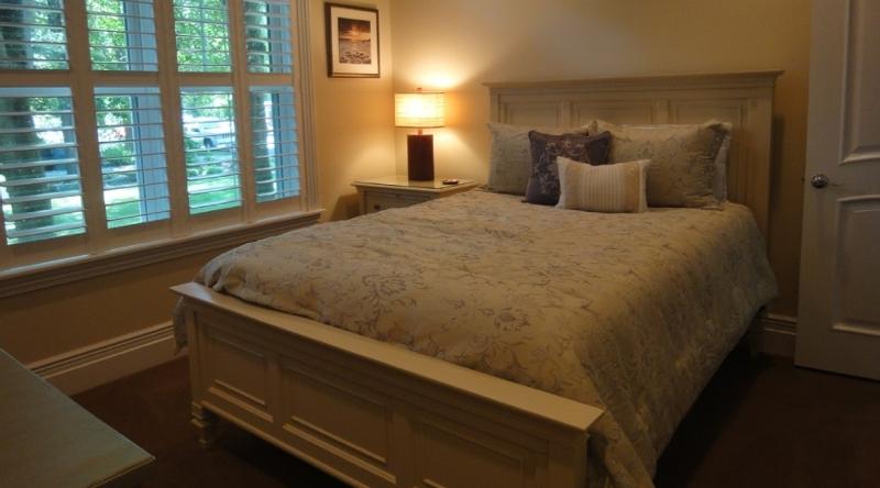 http://www.tghrentals.com/pics/Bedroom 3