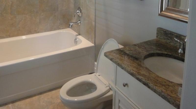 http://www.tghrentals.com/pics/Bathroom 3