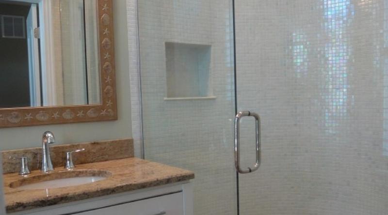 http://www.tghrentals.com/pics/Bathroom 4