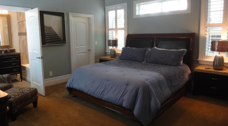 http://www.tghrentals.com/pics/Bedroom 5
