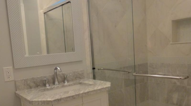 http://www.tghrentals.com/pics/Bathroom 5