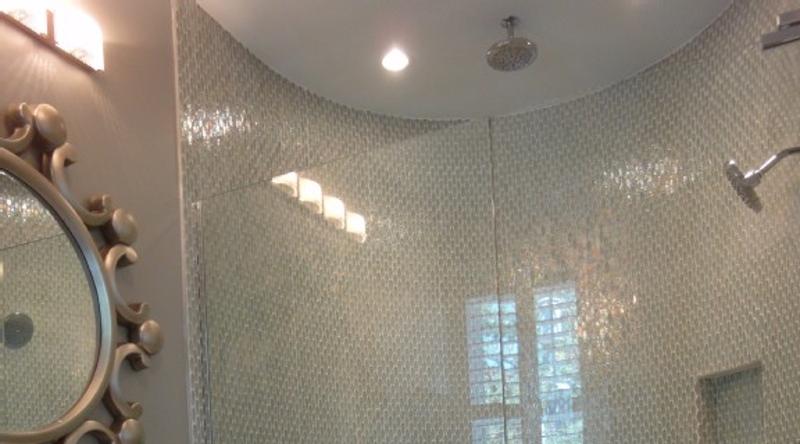 http://www.tghrentals.com/pics/Bathroom 6