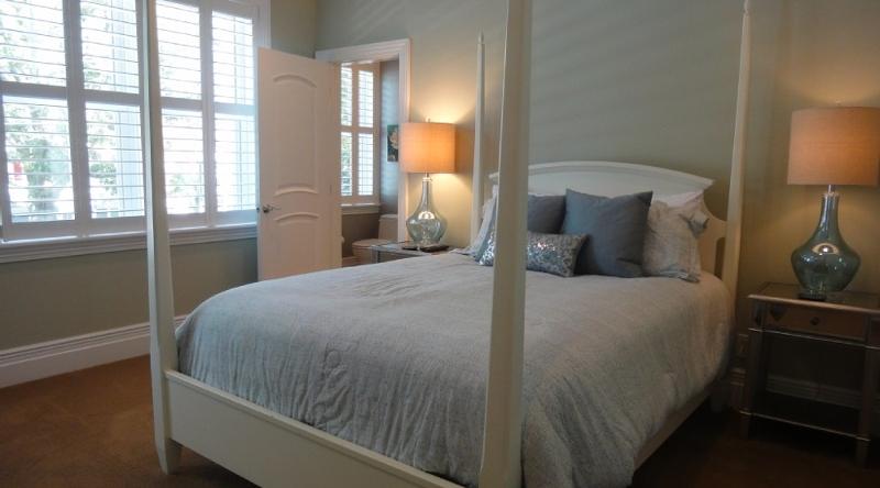 http://www.tghrentals.com/pics/Bedroom 7